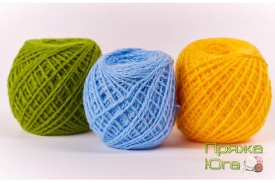 Пряжа цветная для ручного вязания в клубках 42-45 грамма