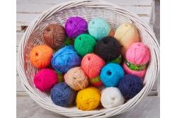 Пряжа Марго полушерсть цветная в клубках 100 граммов